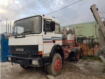 Iveco TURBOTECH 330.30 6x4 tractor unit - SPRING - çekici
