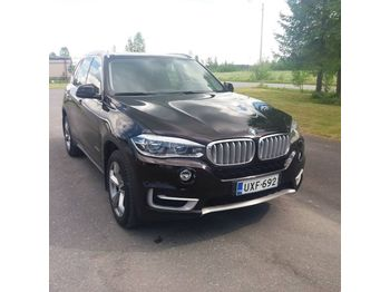 Binek araba BMW X5 Xdrive