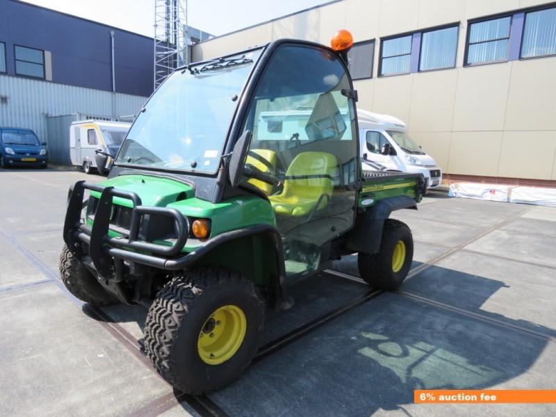 John Deere Gator >> Satilik John Deere Gator Hpx 4x4 Capa Makinesi Dan Hollanda Sitesi